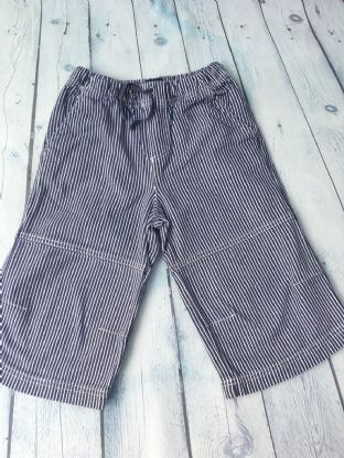 Mini Boden navy/white striped shorts age 5-6